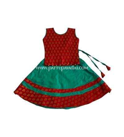 Sleeveless Green and Red Chanderi Langa