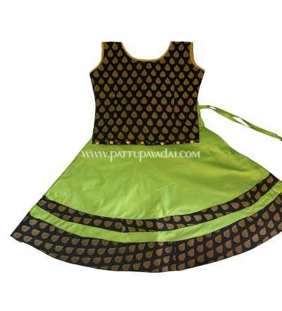 Sleeveless Parrot Green and Black Chanderi Langa